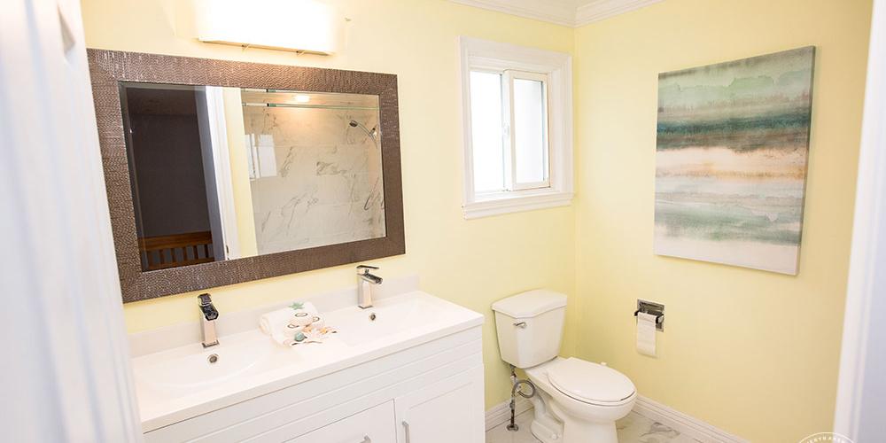 KA-Staging-Mississauga-Bathroom_2