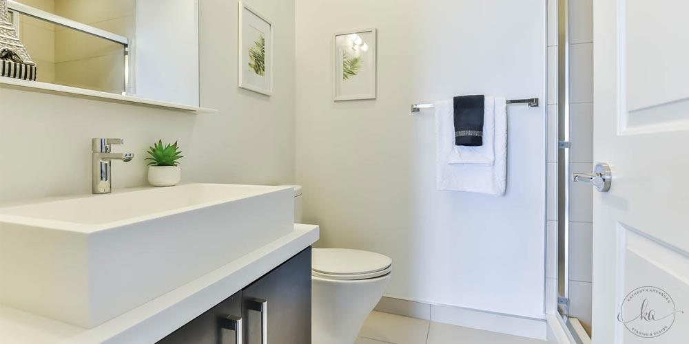 KA-Staging-Condo-Bay-Bloor-Bathroom_1-1