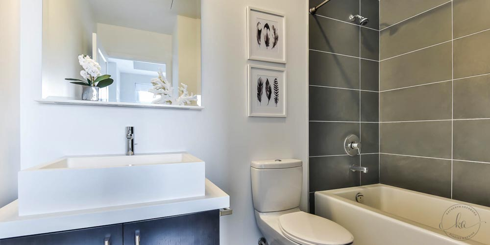 KA-Staging-Condo-Bay-Bloor-Bathroom_2-1