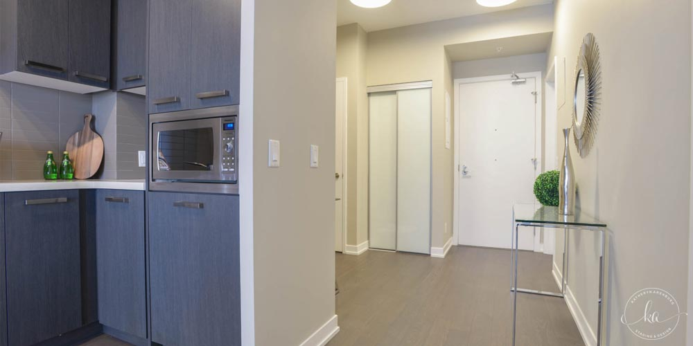 KA-Staging-Condo-Front-St-Hallway_1-1