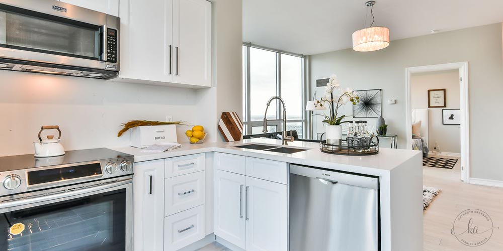 KA-Staging-Condo-Yonge-Kitchen-2-1